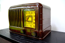 Load image into Gallery viewer, GOLDEN AGE Art Deco 1941 Radiola Model 510 Bakelite AM Tube Radio Works Great! So Classy Looking! - [product_type} - Radiola - Retro Radio Farm