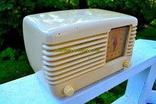 Load image into Gallery viewer, SOLD! - Dec 15, 2017 - BLUETOOTH MP3 Ready - ANTIQUE IVORY Vintage Deco Retro 1946 Philco Transitone 46-200 AM Bakelite Tube Radio Excellent Working Condition! - [product_type} - Philco - Retro Radio Farm