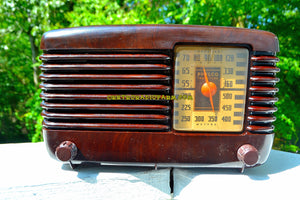 SOLD! - Sept 28, 2017 - BLUETOOTH MP3 Ready - BROWN MARBLED Swirly Vintage Deco Retro 1946 Philco Transitone 46-200 AM Bakelite Tube Radio Excellent Working Condition!