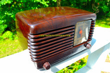 Load image into Gallery viewer, SOLD! - Sept 28, 2017 - BLUETOOTH MP3 Ready - BROWN MARBLED Swirly Vintage Deco Retro 1946 Philco Transitone 46-200 AM Bakelite Tube Radio Excellent Working Condition!