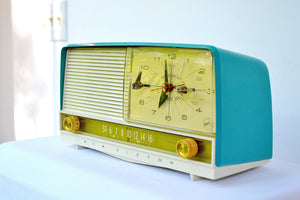 SOLD! - Sept 7, 2018 - Gorgeous Teal And White 1956 RCA Victor 9-C-71 Tube AM Clock Radio Works Great!