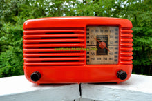 Load image into Gallery viewer, SOLD! - Dec 1, 2017 - BLUETOOTH MP3 Ready - PERSIMMON Vintage Deco Retro 1946 Philco Transitone 46-200 AM Bakelite Tube Radio Excellent Working Condition! - [product_type} - Philco - Retro Radio Farm