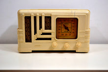 Load image into Gallery viewer, Carrera White Ivory Plaskon Vintage 1939 Fada Model L-96V AM Radio Art Deco Dream! - [product_type} - Fada - Retro Radio Farm