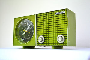 SOLD! - Sept 25, 2018 - 1965 Grasshopper Green Channel Master Model 6263 AM Clock Radio - [product_type} - Channel Master - Retro Radio Farm