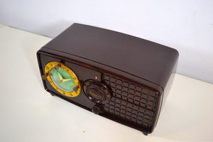 SOLD! - Nov 7, 2019 - Rare Manufacturer Brown Bakelite Post War 1952 Esquire BF Goodrich Model 550U AM Tube Clock Radio Works Great! - [product_type} - Esquire - Retro Radio Farm