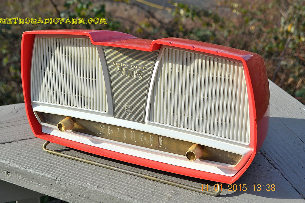 SOLD! - March 23, 2015 - SALMON Pink Mid Century Retro Jetsons Philips Twintone AM Vacuum Tube Radio Totally Restored! , Vintage Radio - Philips, Retro Radio Farm  - 1