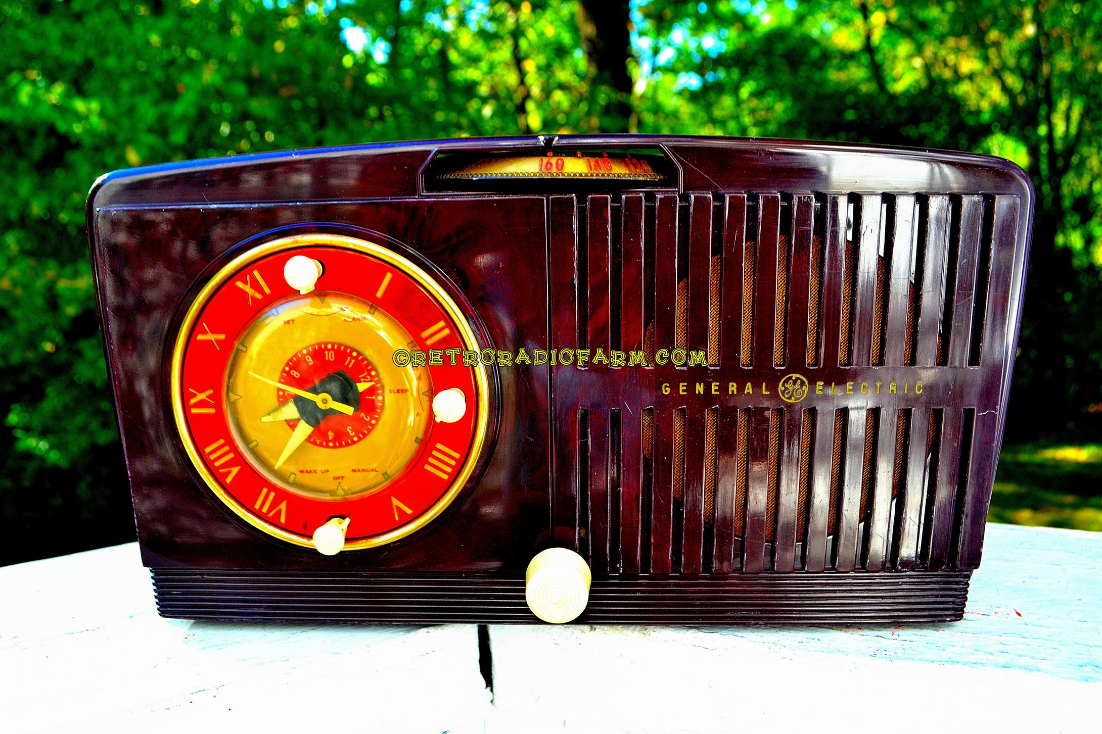 SOLD! - Nov 20, 2017 - BLUETOOTH MP3 READY - Brown Swirly Mid Century Vintage 1952 General Electric Model 542 AM Brown Bakelite Tube Clock Radio Works and Looks Great! - [product_type} - General Electric - Retro Radio Farm