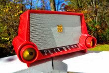 Load image into Gallery viewer, SOLD! - Nov 16, 2017 - CIMARRON RED Dashboard Retro Jetsons 1953 Motorola 53H Tube AM Radio Mint Condition!