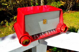 SOLD! - Nov 16, 2017 - CIMARRON RED Dashboard Retro Jetsons 1953 Motorola 53H Tube AM Radio Mint Condition!
