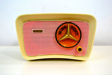 Load image into Gallery viewer, SOLD! - Nov 1, 2018 - Retro Classic Pink and White 1959 Travler Model T-204 AM Tube Radio - [product_type} - Travler - Retro Radio Farm