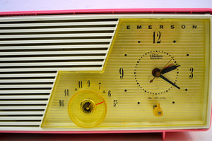 Cameo Pink 1958 Emerson Model 916-B Tube AM Clock Radio Sounds Great!