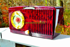 SOLD! - Nov 19, 2017 - BROWN MARBLED Golden Age Art Deco 1952 General Electric Model 515F AM Tube Clock Radio Totally Restored! - [product_type} - General Electric - Retro Radio Farm