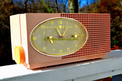MAYFAIR PINK Mid Century Retro 1959 Sylvania Model 6001-2 Tube AM Clock Radio Creampuff!