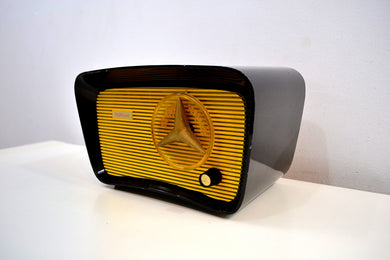 Black and Yellow 1959 Travler Model T-204 AM Tube Radio Cute As A Button! - [product_type} - Travler - Retro Radio Farm