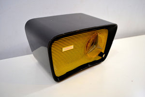 Black and Yellow 1959 Travler Model T-204 AM Tube Radio Cute As A Button!