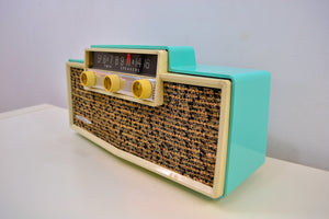 Ming Blue Mid Century Vintage 1959 Silvertone Model 9009 AM Tube Radio Oozes MCM Charm! - [product_type} - Silvertone - Retro Radio Farm