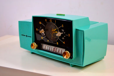 True Turquoise 1957 General Electric Model 912D Tube AM Clock Radio
