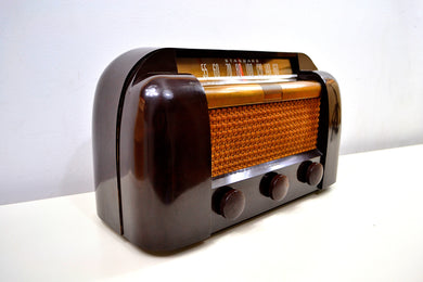 SOLD! - Nov 30, 2019 - Sienna Brown Bakelite 1946 RCA Victor 66X1 AM Shortwave Tube Radio Excellent Condition Works Great! - [product_type} - RCA Victor - Retro Radio Farm