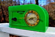 Load image into Gallery viewer, VERDE GREEN Golden Age Art Deco 1948 Continental Model 1600 AM Tube Clock Radio Totally Restored! - [product_type} - Continental - Retro Radio Farm
