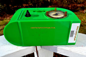VERDE GREEN Golden Age Art Deco 1948 Continental Model 1600 AM Tube Clock Radio Totally Restored! - [product_type} - Continental - Retro Radio Farm