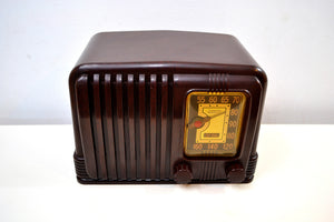 SOLD! - Dec 2, 2019 - Walnut Brown Bakelite 1939 RCA Victor Model 45-X-11 AM Tube Radio Great Sounding! - [product_type} - RCA Victor - Retro Radio Farm