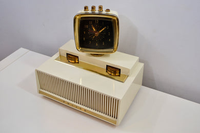Science Fiction Fantasy 1960 Philco Predicta Model J775-124 Vacuum Tube AM Clock Radio Near Mint Condition!