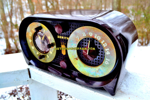 SOLD! - Dec 31, 2017 - OWL EYES Mid Century Retro Vintage 1950 Zenith 5-G-03B AM Tube Clock Radio Works Great!