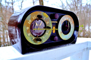SOLD! - Dec 31, 2017 - OWL EYES Mid Century Retro Vintage 1950 Zenith 5-G-03B AM Tube Clock Radio Works Great! - [product_type} - Zenith - Retro Radio Farm