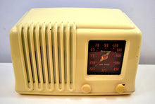 "Load image into Gallery viewer, Alabaster Ivory Bakelite Post War 1947 Firestone Air Chief ""Diplomat"" Model 4A3 AM Vacuum Tube Radio Works Great! - [product_type} - Firestone - Retro Radio Farm"
