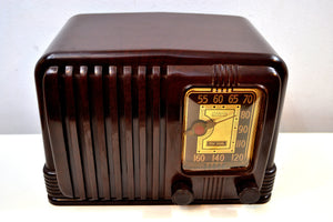 SOLD! - Dec 19, 2019 - Wondrous Walnut Brown Bakelite 1939 RCA Victor Model 45-X-11 AM Tube Radio Fine Looking Great Sounding! - [product_type} - RCA Victor - Retro Radio Farm
