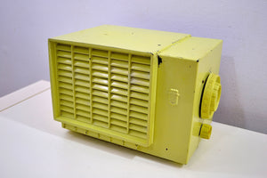 Chartreuse Green Bakelite Mid Century 1953 Crosley Model F-5CE AM Vacuum Tube Radio Solid Receiver! - [product_type} - Crosley - Retro Radio Farm