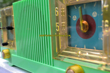 Load image into Gallery viewer, Cloisonne Green Mid Century 1952 Automatic Radio Mfg Tube AM Radio Cool Model Rare Color! - [product_type} - Automatic - Retro Radio Farm