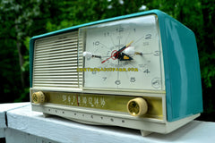 AQUA and White Retro Jetsons 1956 RCA Victor 9-C-7LE Tube AM Clock Radio Totally Restored!