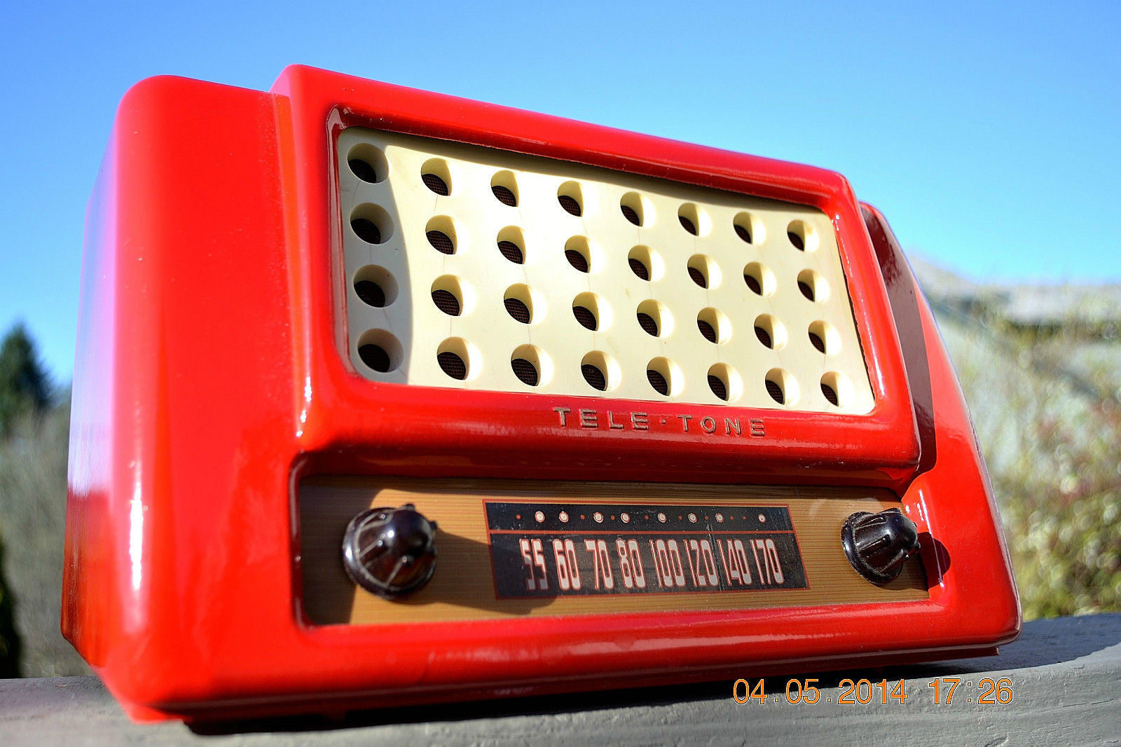 SOLD! May 28, 2014 - FIRE ENGINE RED Rare Art Deco Retro 1947-49 TELE TONE AM Tube Radio Works! Wow! , Vintage Radio - Teletone, Retro Radio Farm  - 1