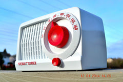 SOLD! - May 21, 2014 - BEAUTIFUL Retro Rare WHITE & RED 1952 Stewart Warner 9160 Tube AM Radio WORKS! , Vintage Radio - Stewart Warner, Retro Radio Farm  - 3