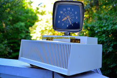 PLAN 9 FROM OUTER SPACE 1959 Philco Predicta Model H765-124 Tube AM Clock Radio Works Great!