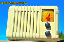 Load image into Gallery viewer, SOLD! - Oct 4, 2014 - SO CUTE 1940's Ivory Sky Rover Bakelite AM Tube AM Mini Radio WORKS! , Vintage Radio - Sky Rover, Retro Radio Farm  - 3