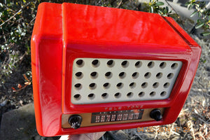 SOLD! May 28, 2014 - FIRE ENGINE RED Rare Art Deco Retro 1947-49 TELE TONE AM Tube Radio Works! Wow! , Vintage Radio - Teletone, Retro Radio Farm  - 4