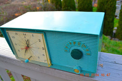 SOLD! - April 8, 2014 - TURQUOISE Atomic Retro Vintage 1956 RCA Victor 6-C-5 Tube AM Clock Radio WORKS! , Vintage Radio - RCA Victor, Retro Radio Farm  - 5