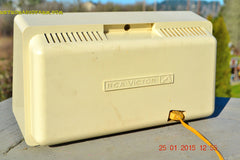 MAUVE TAN and WHITE Retro Jetsons Vintage 1958 RCA 1-RA-36 AM Tube Radio WORKS! , Vintage Radio - RCA Victor, Retro Radio Farm  - 7