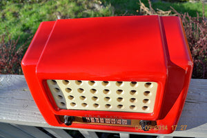 SOLD! May 28, 2014 - FIRE ENGINE RED Rare Art Deco Retro 1947-49 TELE TONE AM Tube Radio Works! Wow! , Vintage Radio - Teletone, Retro Radio Farm  - 6