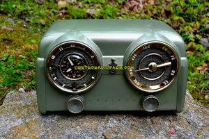 SOLD! - May 15, 2017 - PALMETTO GREEN METALLIC 1951 Crosley Model 11-125GN AM Tube Clock Radio Quality Construction Sounds Great!