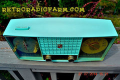 SOLD! - Sept. 29, 2014 - STUNNING AQUA BLUE Retro Jetsons 1957 Magnavox C5 Tube AM Clock Radio WORKS! , Vintage Radio - Magnavox, Retro Radio Farm  - 4