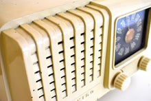 Load image into Gallery viewer, Alabaster Art Deco Vintage Retro Industrial Age 1948 Air King Model A-511-512 Bakelite Tube Radio Works Like A Charm!