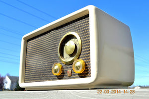 SOLD!  - Nov. 14, 2014 - BEAUTIFUL Vintage Deco Retro 1949 Airline 84-HA-1528 - [product_type} - Airline - Retro Radio Farm