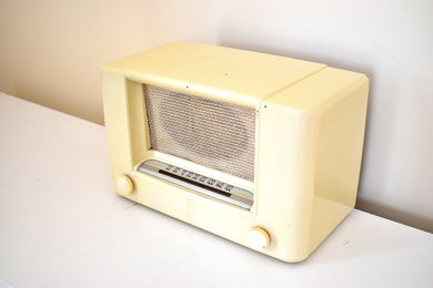 Gilded Age Ivory Bakelite 1947 Airline Model 74WG-1509 AM Vacuum Tube AM Radio Excellent Condition Great Sounding!!