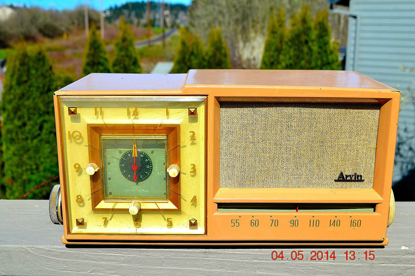SOLD! - Sept 14, 2014 - BEAUTIFUL SANDY TAN Retro Space Age 1956 Arvin Tube AM Clock Radio WORKS! , Vintage Radio - Arvin, Retro Radio Farm  - 1