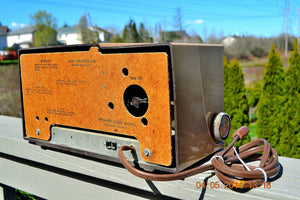 SOLD! - Sept 14, 2014 - BEAUTIFUL SANDY TAN Retro Space Age 1956 Arvin Tube AM Clock Radio WORKS! , Vintage Radio - Arvin, Retro Radio Farm  - 9