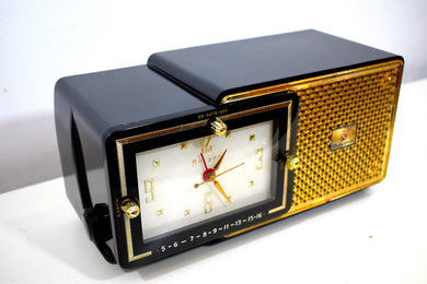 Luxor Black 1957 Bulova Model 120 Vacuum Tube AM Clock Radio Excellent Condition!