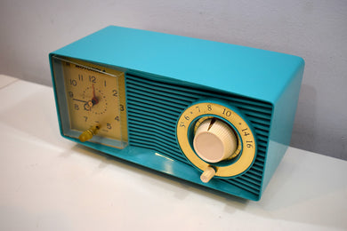 Aqua Mid Century 1960 Motorola Model C15JK25 Vacuum Tube AM Clock Radio Sounds Great! Looks Great!